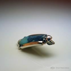 """""""Rivage Opalescent"""", Pendentif en Argentium et Opale d'Australie, Haute Joaillerie. Vue en perspective"""