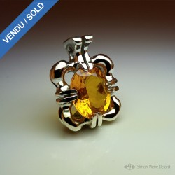 """""""Heart of the Sun"""", Craftsman Art Jeweler Pendant, Yellow Gold Citrine of 19.6 Carats. Lost wax, Direct carving art"""