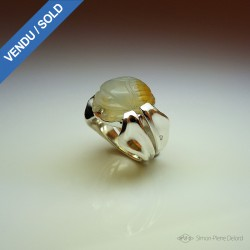 """""""Khepri"""", High Jewelry Ring, Scarab carved in agate, Lost wax technique. Arts and Crafts"""
