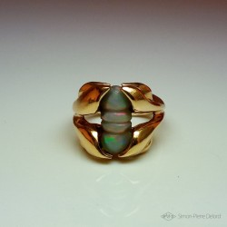 """Venusian flower"", Gold 18K and Australian Opal Ring, High Jewelry. Lost wax. Fantasy World"