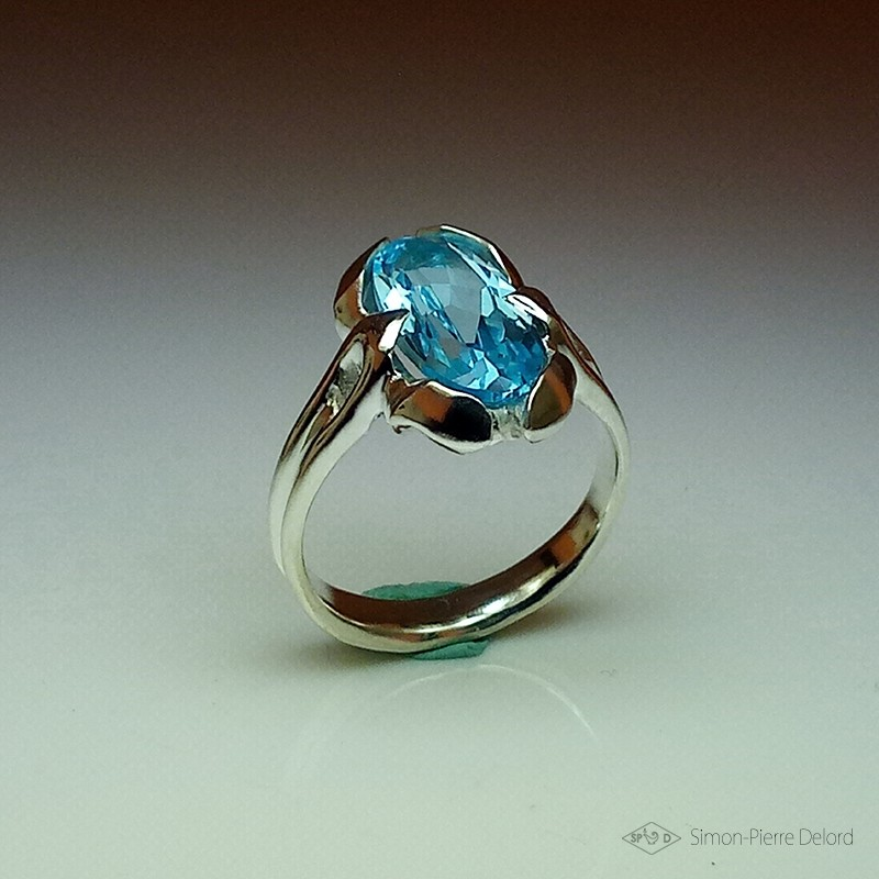 """""""Flower of Sky"""", High Jewelry Ring, Blue Topaz, Lost wax technique"""