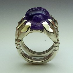 """""""Sleeping Scarab"""", Argentium and Amethyst ring, High Jewelry. Front view"""