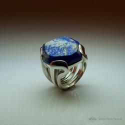 """""""Céleste"""", Bague d'Artisan d'Art Joaillier, Lapis lazuli. Cire perdue, Art de la taille directe"""