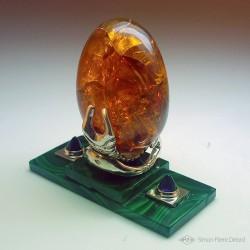 """""""Oeuf de dragon"""" Opale d'Ethiopie, malachite et améthyste. Structure en Argentium. Vue de dos"""