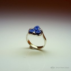 """Blue Flower"", High Jewelry Ring, Lapis lazuli, Lost wax technique. Arts and Crafts"