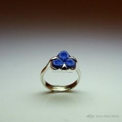 """""""Fleur Bleue"""", Bague d'Artisan d'Art Joaillier, Lapis lazuli. Cire perdue, Art de la taille directe"""