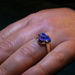 """""""Blue Flower"""", High Jewelry Ring, Lapis lazuli, Lost wax technique. Arts and Crafts"""