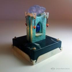 """""""Memento Mori"""" Lapis Lazuli, Amazonite, Nacre, Corail et Améthyste. Vue arrière"""