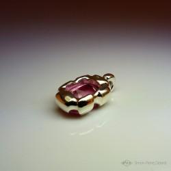 """""""Friandise Eternelle"""", Pendentif d'Artisan d'Art Joaillier, Topaze rose de 30 Carats. Cire perdue, Art de la taille directe"""