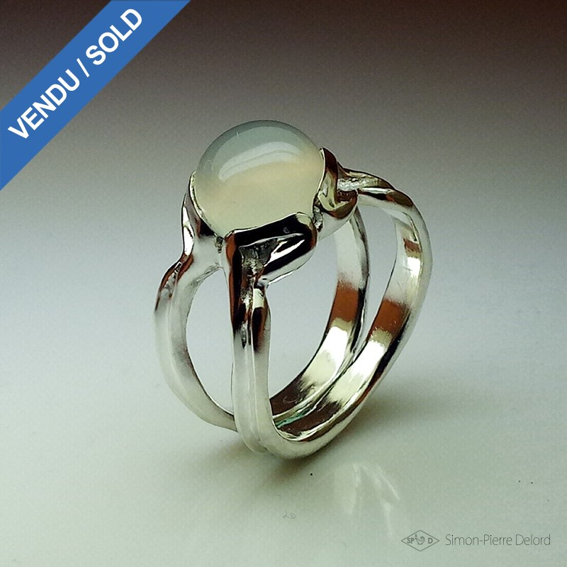 """""""Moon Pearl"""", High Jewelry Ring, Moonstone, Lost wax technique"""