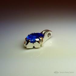 """Ocean Reflections"", High Jewelry Pendant, Blue quartz, Lost wax technique. Arts and Crafts"