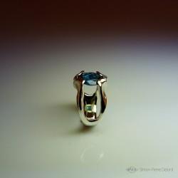 """""""Goutte de Lagon"""", Bague d'Artisan d'Art Joaillier, Topaze bleue Londres. Exobiologie fantastique. Cire perdue"""