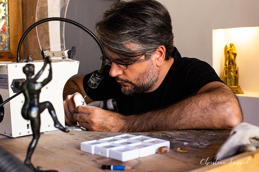 Bench work, craftsman jeweler - watchmaker, photographer Christian Loussert